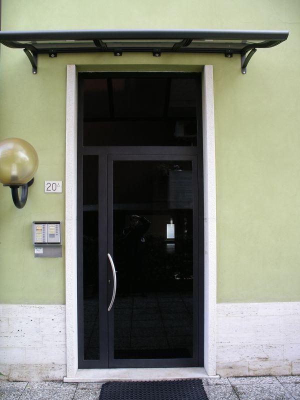my-house-verona-i-nostri-lavori-portoncino-condominiale1000D2D9D775-3B3B-CF7A-A906-72C4C0E96C03.jpg