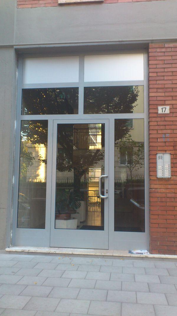 my-house-verona-i-nostri-lavori-vetrina-alluminio2C6DD95E6-0FBB-493C-85F4-E1908CE229E6.jpg