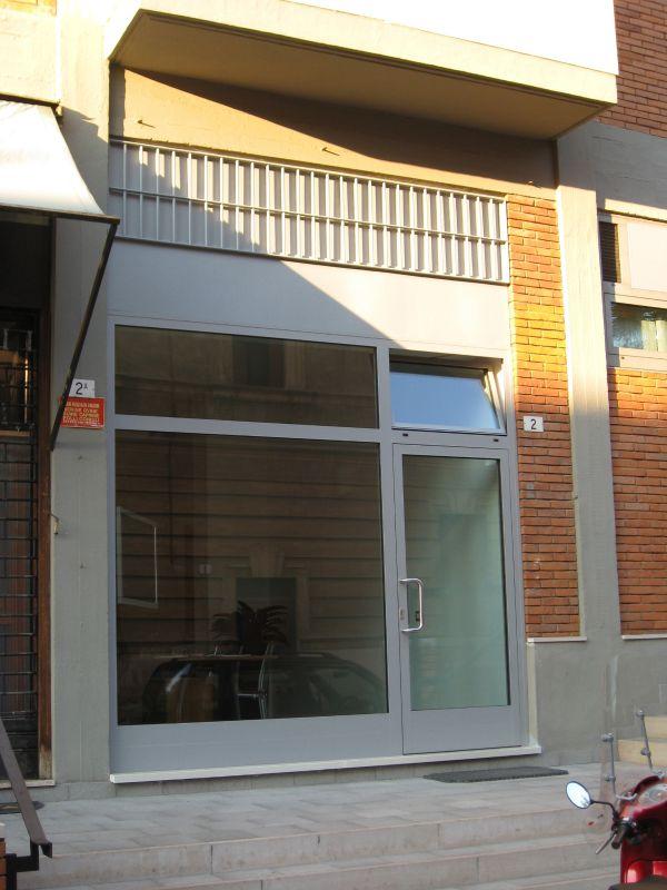 my-house-verona-i-nostri-lavori-vetrina-alluminio7BE05F17-99B7-C984-63C9-3A2CCE395600.jpg