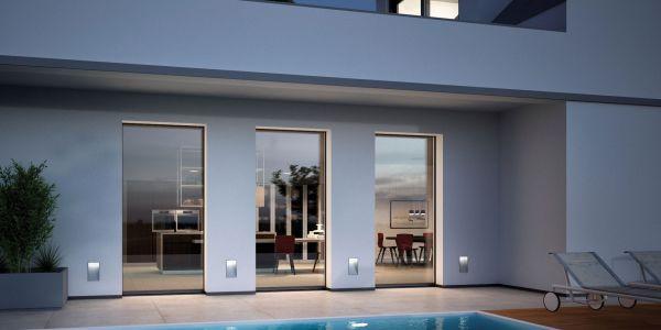 esterno-con-piscina-e-finestre-prolux-vitro-di-oknoplast88BCCD3E-EAB6-327F-91FD-57831BC4D27D.jpg